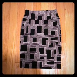 Lularoe Cassie skirt geom Black and Tan small